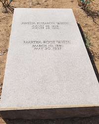 tomb of White sisters